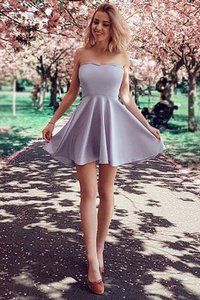 Robe de graduation belle en satin a-ligne de princesse naturel