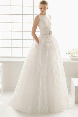 Robe de mariée avec zip a-ligne en plage au jardin en salle