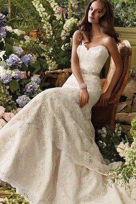 Robe de mariée delicat romantique avec gradins avec ruban de traîne courte