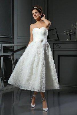 Robe de mariée jusqu'au mollet de tour de ceinture empire ligne a en satin de princesse