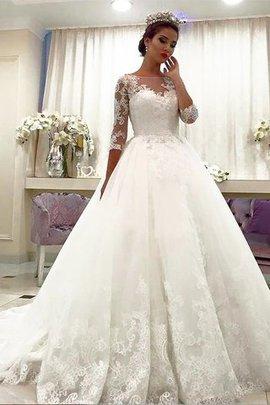 Robe de mariée naturel avec décoration dentelle avec manche 3/4 en tulle de col bateau