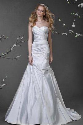 Robe de mariée luxueux de traîne moyenne ligne a croisade col en forme de cœur
