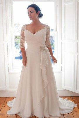 Robe de mariée simple avec décoration dentelle avec fronce lache de traîne courte