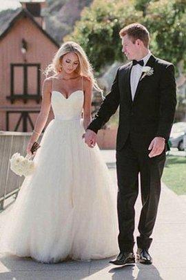 Robe de mariée manche nulle col en forme de cœur parfait en tulle naturel