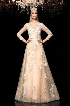 Robe de mariée longue naturel avec manche longue de princesse en satin