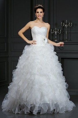 Robe de mariée longue naturel manche nulle en organza col en forme de cœur
