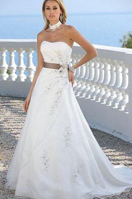 Robe de mariée en tulle a-ligne avec sans manches longueur au niveau de sol ceinture