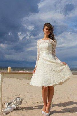 Robe de mariée luxueux facile chic nature en dentelle