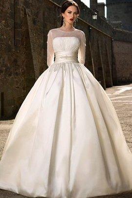Robe de mariée romantique avec bouton ruché de traîne courte de mode de bal