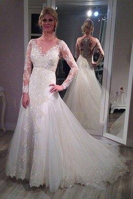 Robe de mariée v encolure en tulle de traîne courte avec manche longue de princesse