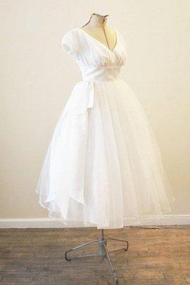 Robe de mariée simple vintage de col en v avec manche courte ruché