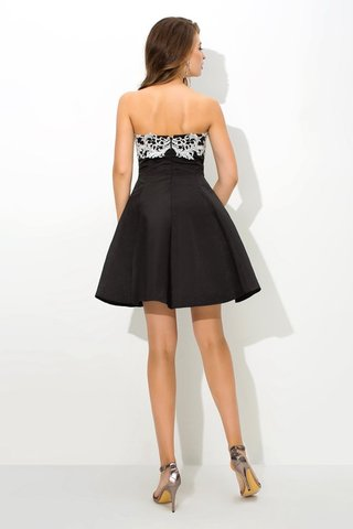 Robe de cocktail courte de princesse de bustier a-ligne en satin - photo 2