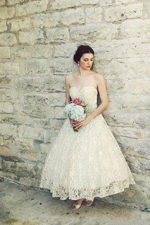 9ce2-j37cx-robe-de-mariee-delicat-de-col-en-coeur-avec-zip-ligne-a-avec-fronce.jpg