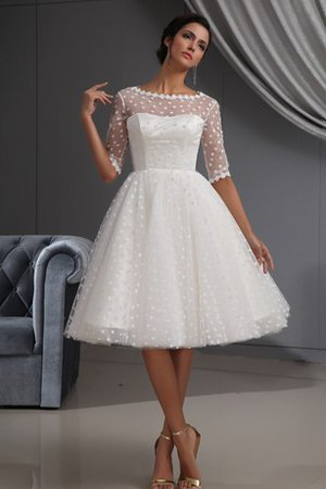 Robe de cocktail bref simple avec manche 1/2 au niveau de cou en dentelle - photo 1
