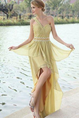 La robe de Céline était un dessin de Caroline Castigliano 9ce2-vzwbv-robe-de-soiree-d-epaule-asymetrique-haut-bas-avec-perle-avec-chiffon